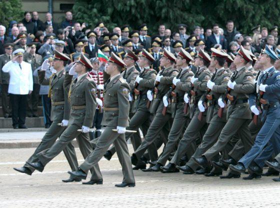 Честването на Деня на храбростта и празника на Българската армия е възобновено през 1993 г.