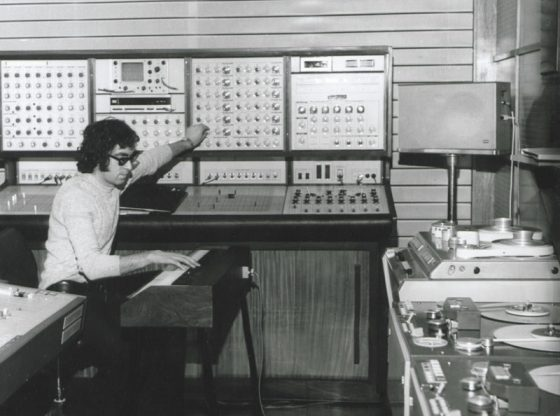 Симо Лазаров в първото студио за електронна музика.