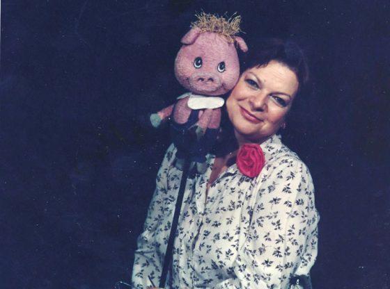 """Лина Бояджиева в ролята на Прасчо от """"Мечо пух"""", 1985 г."""
