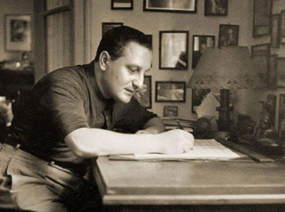 Панчо Владигеров в работен момент у дома си в София, 50-те години на ХХ век