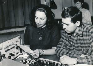 от ляво надясно: Мария Нанчева и звукорежисьорът Евтим Кокошаров