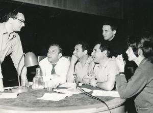 от ляво надясно: Кирил Каменов с актьорите Георги Черкелов, Наум Шопов, Лора Кремен. 2-ри ред: Асен Кисимов