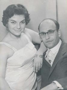 Лина Бояджиева със съпруга си Атанас Бояджиев през 1954 г.