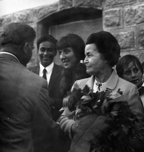 Със съпруга си Нури Садик и Елисавета Багряна