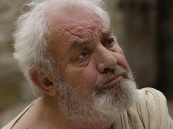 """Георги Черкелов в образа на Сократ от филма """"Обърната елха"""" (2006)"""