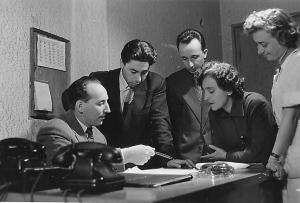 Дежурната смяна Емил Стоянов (първият от ляво), Димитър Горчаков, Богомил Алексиев, Пенка Бенчева