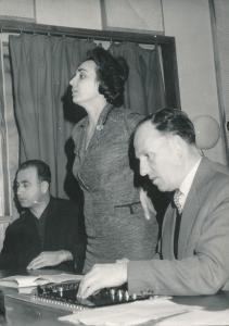 от ляво надясно: Мария Нанчева със звукорежисьора Благой Попов